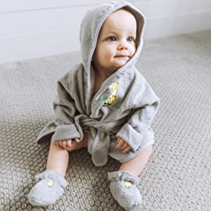 baby bathrobe drawstring belt booties shoes cuffs boots adorable giraffe safari animals