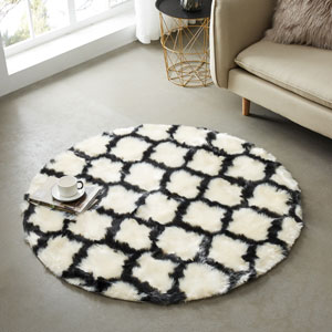 Contemporary shag rug works beautifully in any home Perfect for any Room: Living Room