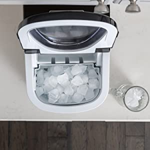 DCIMSTSCompact Ice Maker Stainless Steel