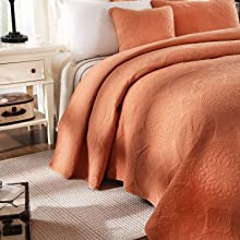 quilt and shams decorative complete bedding set