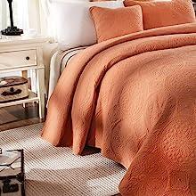 quilt and shams decorative complete bedding set