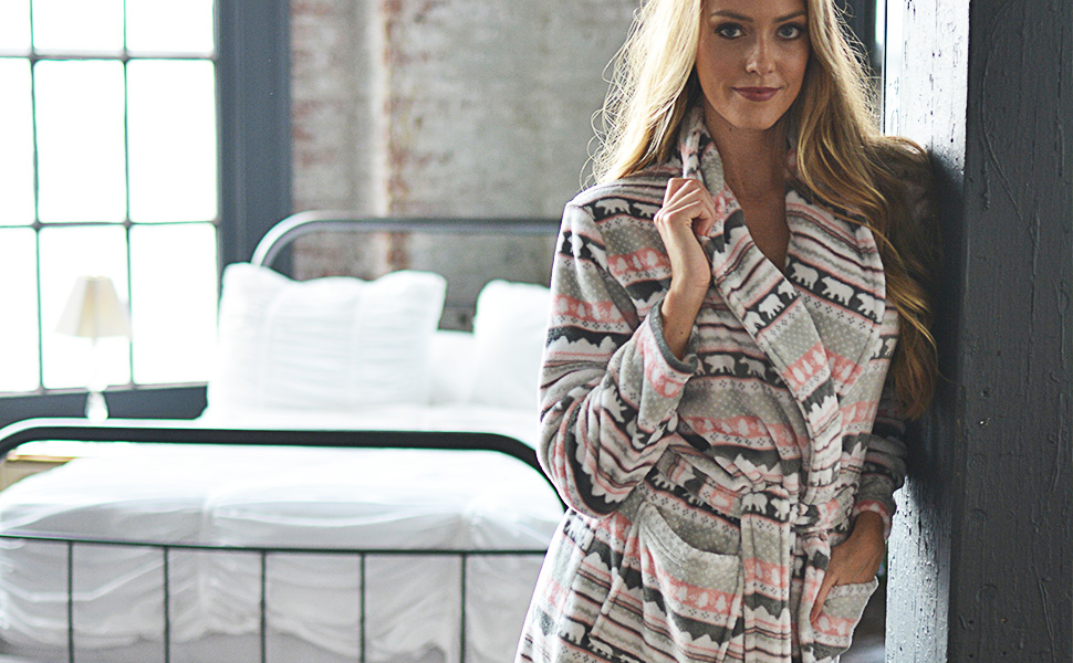 PajamaMania fleece robe womens bathrobe gift idea bear jacquard hearts stars nordic