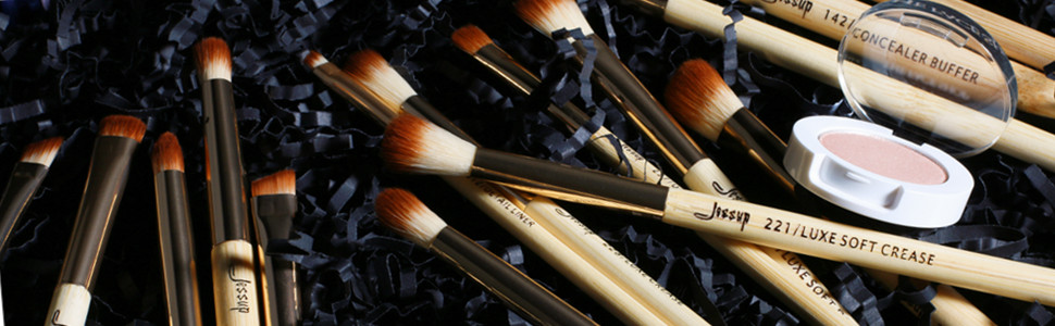 Bamboo eye shadow makeup brushes