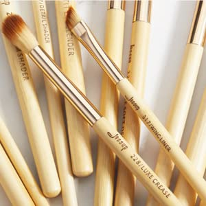 labeled makeup brushes