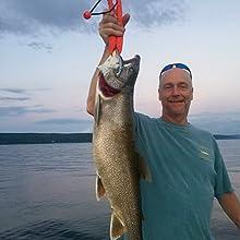 lipless crankbait bass lure walleye musky pike salmon trout