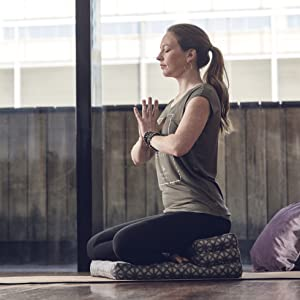 tee Gaiam shirts yoga activewear sports workout training t-shirt
