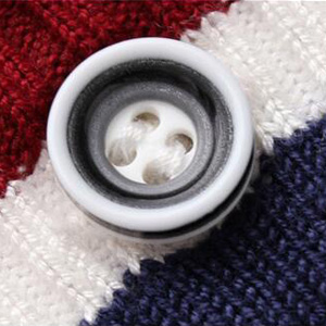 buttons closure