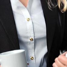 auxilry_womens_dress_shirt_interchangeable_buttons