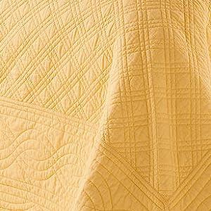 florence bedspread detail shot
