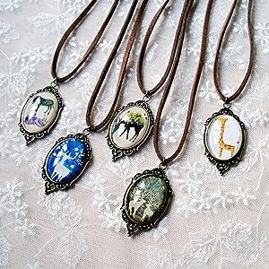 vintage Oval shape pendant necklace