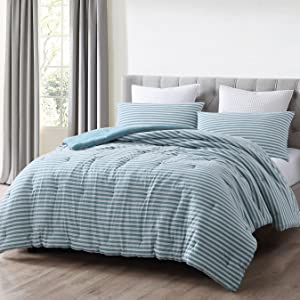 striped design of comforter view